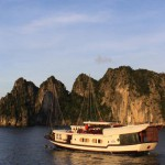 Off beaten path to Bai Tu Long bay
