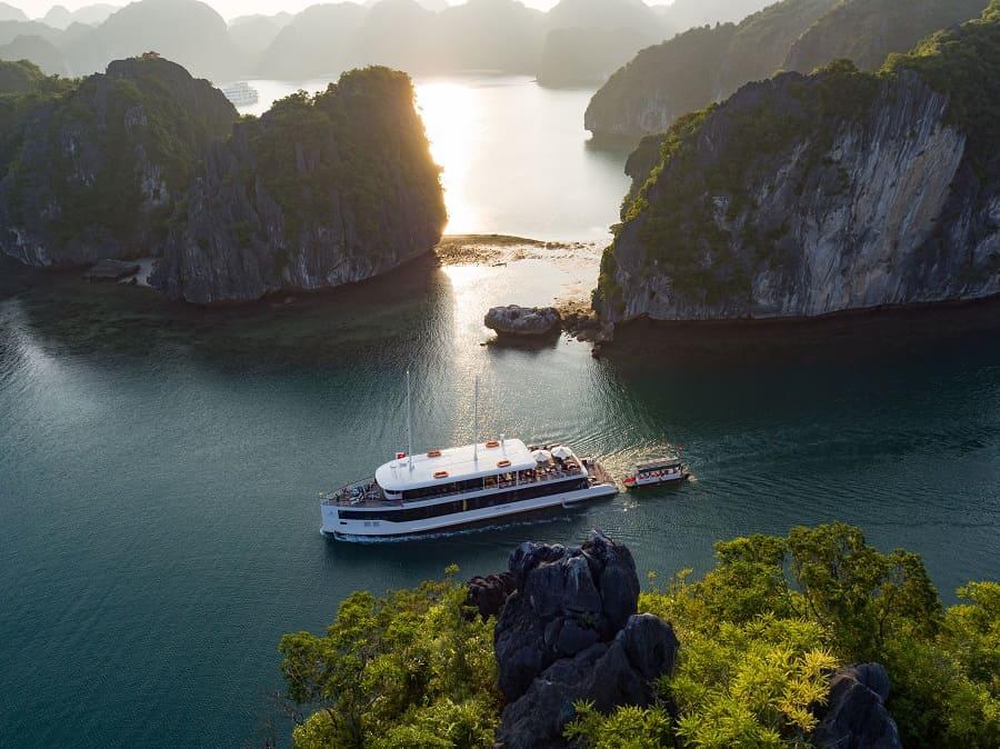 jade sails cruise halong