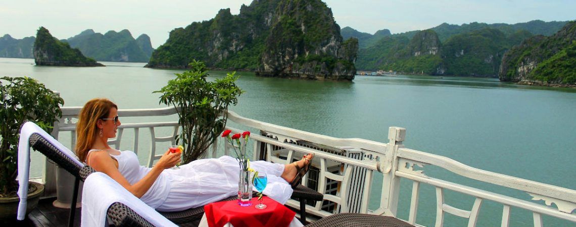 Exclusive Private Halong Bay Day Tour