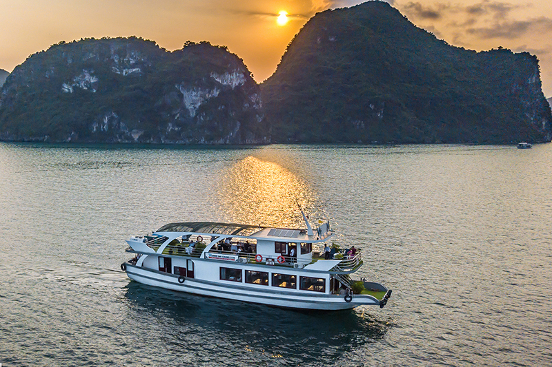 $76 - Wonder Bay Cruise Halong Bay